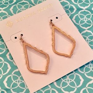 NWT Kendra Scott Sophia Earrings Rose Gold